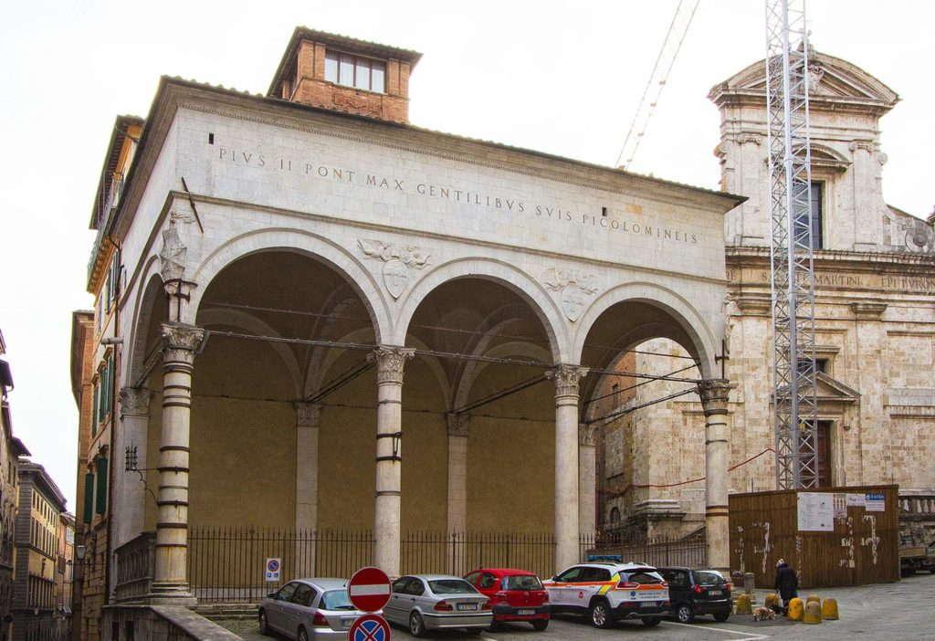 Лодже дель Папа, Сиена